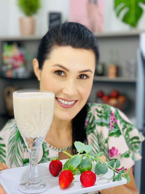 Melissa Barcelos - Smoothie de Morango com Banana