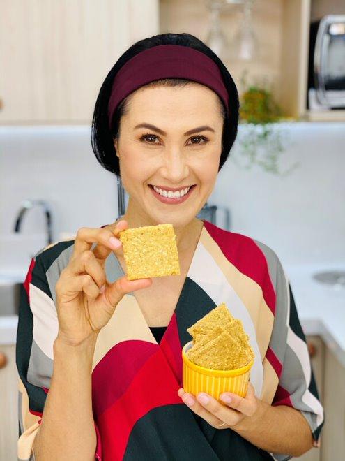 Melissa Barcelos - Mini Cracker