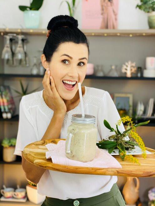 Melissa Barcelos - Milk Shake Proteico - Sabor Saúde
