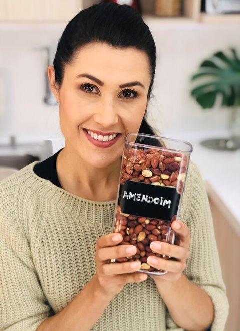 Melissa Barcelos - Amendoim Tostado
