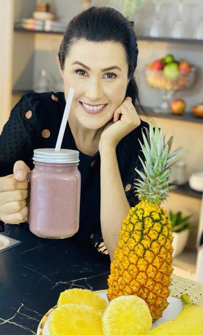 Melissa Barcelos - Smoothie de Abacaxi, Banana e Uva