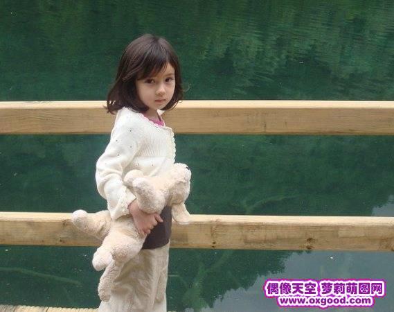 小萝莉的发育31张图片 日本萝莉31张发育图 感受小萝莉发育过程图片